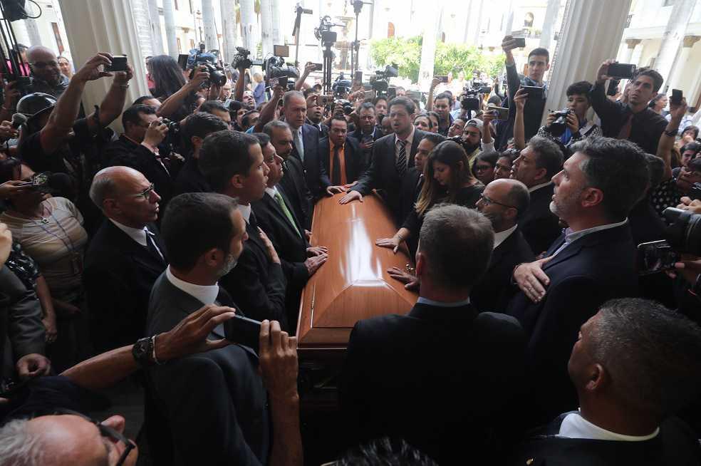 El Parlamento venezolano rindió homenaje al concejal Fernando Albán