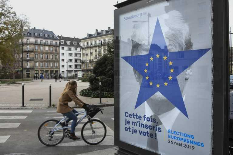 Con foto de Trump quieren convencer a europeos de los riesgos de no votar