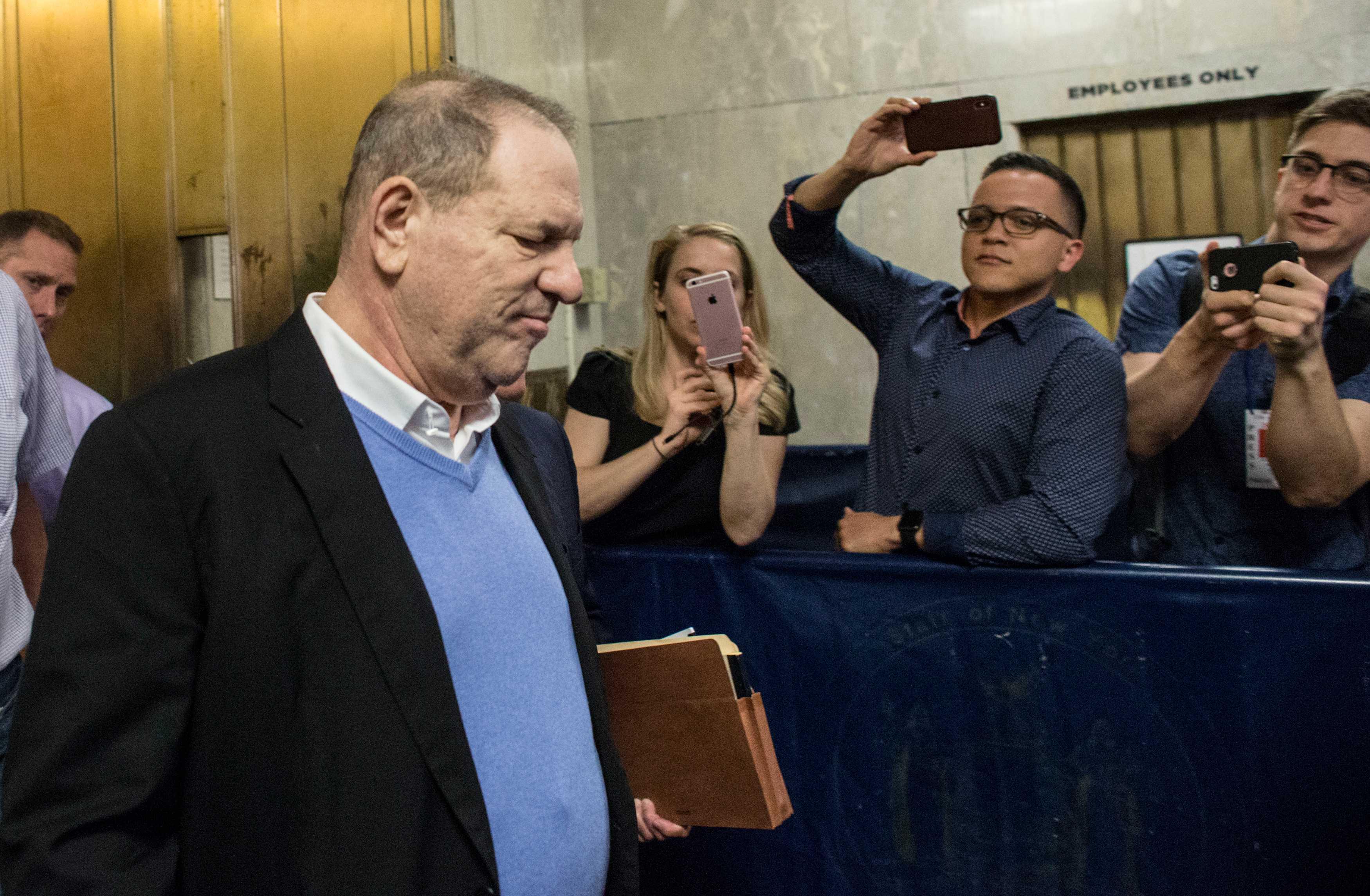 Harvey Weinstein debe esperar que juez le permita cambiar su equipo legal