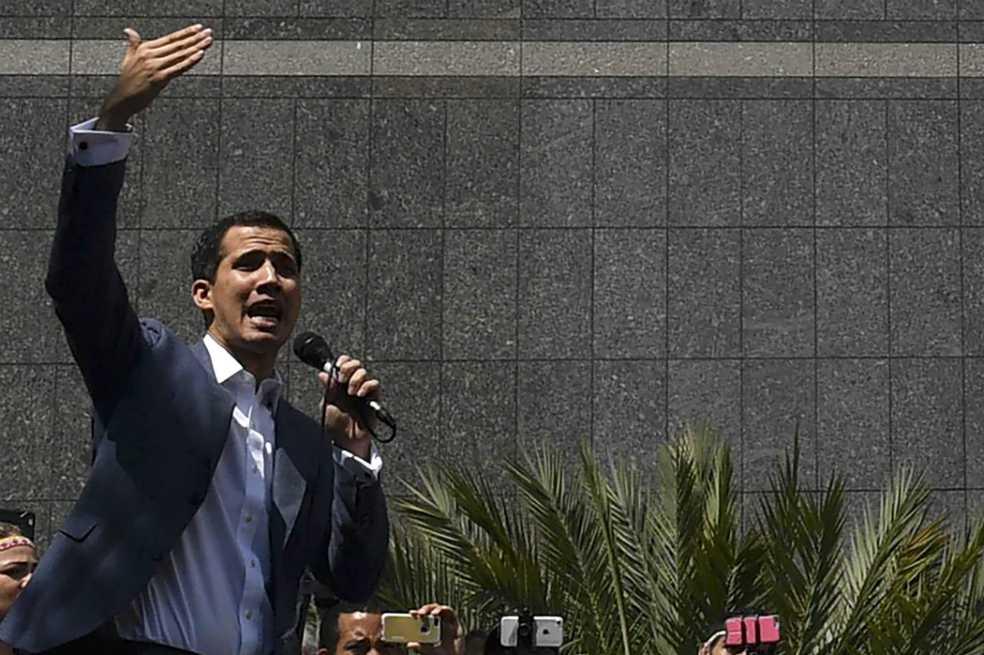 Ministra de Maduro amenaza con cárcel al jefe del Parlamento