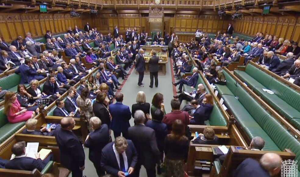 Parlamento británico votó a favor de aplazar fecha del «Brexit»