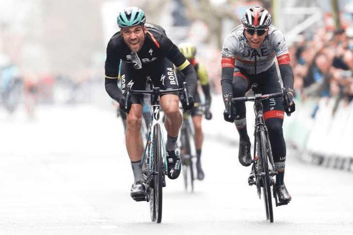 Schachmann ganó la cuarta etapa de la Vuelta al País Vasco