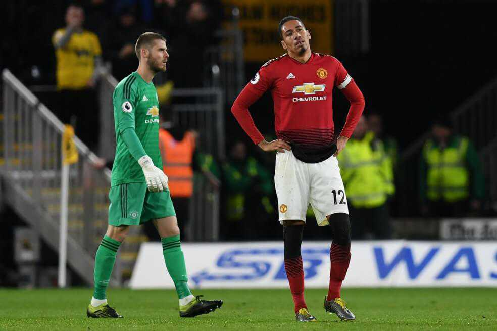 Manchester United perdió y se aleja de los puestos de Liga de Campeones