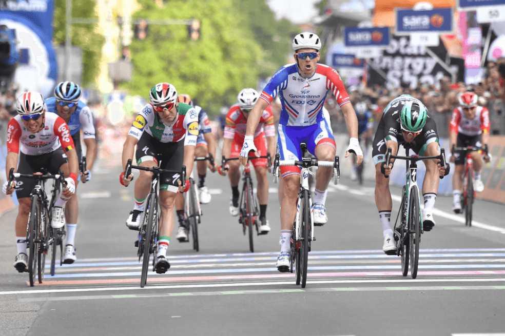Arnaud Démare ganó la décima etapa del Giro de Italia