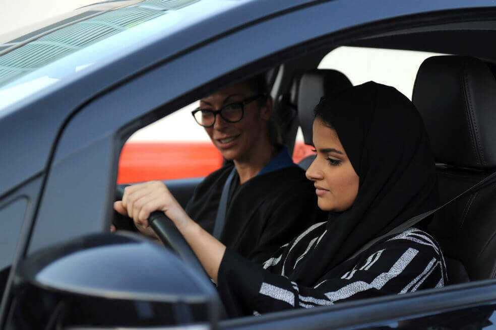 Las mujeres de Arabia Saudita podrán viajar al exterior sin autorización de un hombre