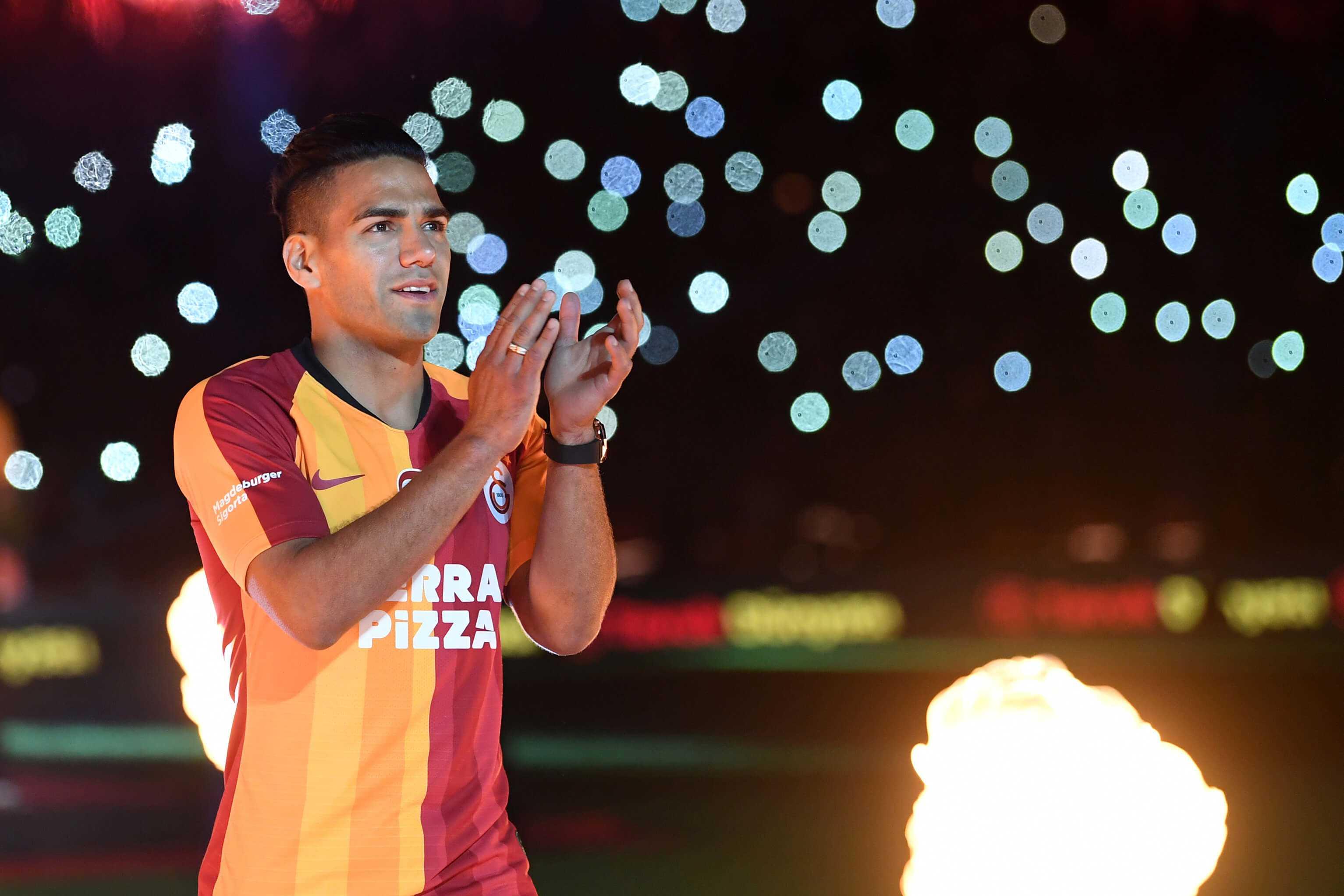 Así fue la presentación de Falcao en el Galatasaray