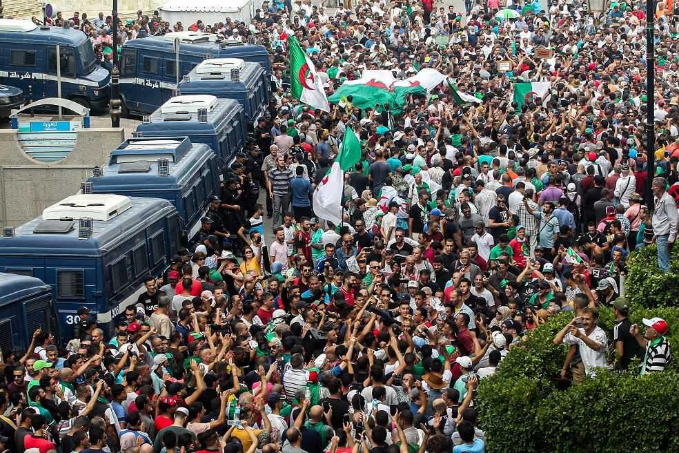 ¿Por qué llevan ocho meses protestando los estudiantes en Argelia?