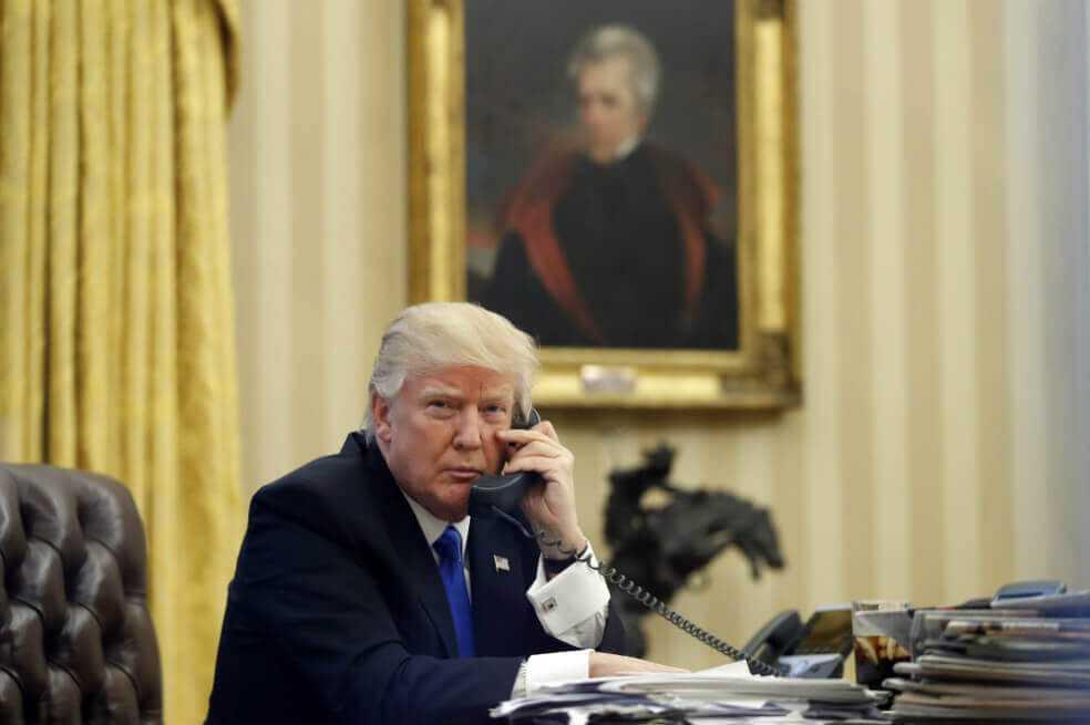 ¿Quién escucha las llamadas telefónicas de los presidentes?