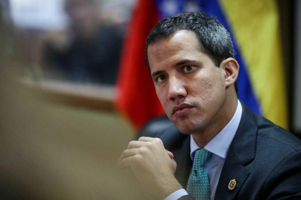 """Fiscalía venezolana investigará a Guaidó por """"traición a la patria"""""""