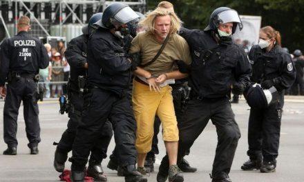 El movimiento contra los tapabocas se radicaliza en Alemania