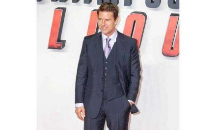 """""""Misión Imposible 7"""": Tom Cruise reanuda el rodaje saltando al vacío en una moto"""
