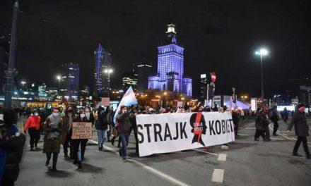 Masivas manifestaciones en Polonia por prohibición casi total del aborto