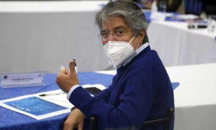 Elecciones en Ecuador: Lasso acepta un nuevo escrutinio de votos