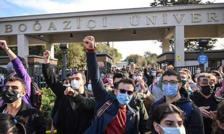 El fantasma de la revuelta estudiantil reaparece y preocupa al gobierno de Turquía