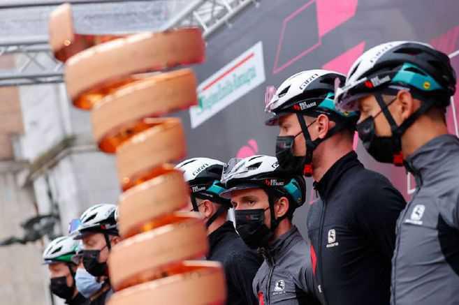 Simon Yates y el Giro de Italia: una historia tormentosa